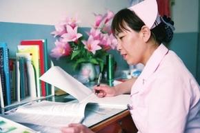 四平护士张桂英 曾获第42届南丁格尔奖